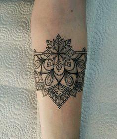 New Tattoo Forearm Mandala Lotus Flowers Ideas Trendy Tattoos, New Tattoos, Body Art Tattoos, Tattoos For Women, Sleeve Tattoos, Tattoos For Guys, Wrist Band Tattoo, Cuff Tattoo, Piercing Tattoo
