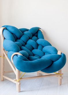 This furniture collection makes use of various knitting and weaving techniques - Einrichtungsstil