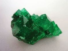 Lovely rough #colombianemerald #crystal. 44 #carats of fine quality. #emeralds…