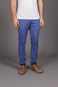 Blue chinos / brown shoes