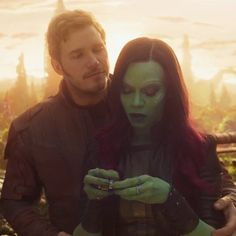 "119 mentions J'aime, 6 commentaires - MultipleFandomPage (@multiplefandompage) sur Instagram : ""I want a guy who looks at me like Peter looks at Gamora ❤ #starmora #marvel…"""