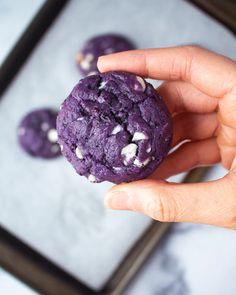 Blueberry Cookies | Vegan & Naturally Blue! | Justine Snacks Cookie Brownie Bars, Cookie Desserts, Vegan Desserts, Just Desserts, Cookie Recipes, Vegan Recipes, Dessert Recipes, Vegan Foods, Blueberry Cookies