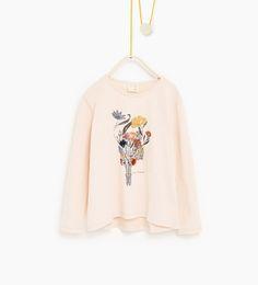 90a20eb70 Image 1 de T-shirt à fleurs et papillons de Zara Camisetas Niño