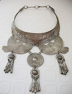 "tribal jewelry (Miao or Hmong, south China / Northern ""gold triangle"")"