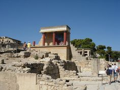 Knossos (alternative spellings Knossus, Cnossus, Greek Κνωσός, pronounced [knoˈsos]), currently refers to the main Bronze Age archaeological site at Heraklion, a modern port city on the north central coast of Crete. Heraklion was formerly called Candia after the Saracen name for the place, Kandaiki, meaning the moat that was built around the then new settlement for defence. Kandaiki became Byzantine Chandax.  The name, Knossos, survives from ancient Greek references to the major city of…