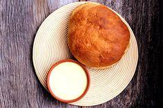 Manteiga caseira e pão de buttermilk