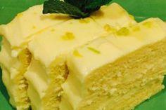 Blatul: Trebuie sa va spun ca prajitura este spornica, iese inalta. No Cook Desserts, Sweets Recipes, Vegan Desserts, Cooking Recipes, Romanian Desserts, Romanian Food, Vegan Meal Prep, Vegan Kitchen, Deserts