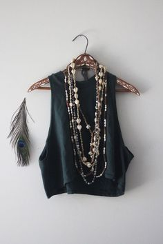 crop and boho jewellery Bohemian Mode, Bohemian Style, Boho Fashion, Fashion Beauty, Womens Fashion, Style Fashion, Hippie Style, Vestidos Velvet, Look Boho Chic
