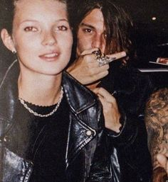 Johnny And Winona, Young Johnny Depp, Tv Show Casting, Johny Depp, The Love Club, Captain Jack Sparrow, Hollywood Actor, Cute Couples Goals, Celebrity Couples