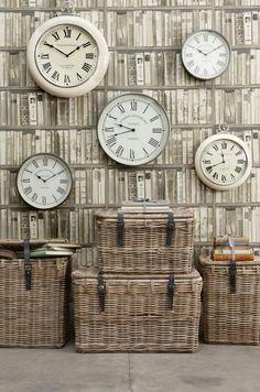 l amusement badine l horloge murale nommée d aqua
