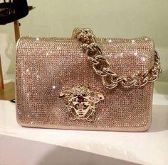 Love this Versace bag! Cheap Purses, Cheap Handbags, Cute Purses, Handbags Michael Kors, Purses And Handbags, Gucci Purses, Handbags Online, Unique Purses, Wholesale Handbags