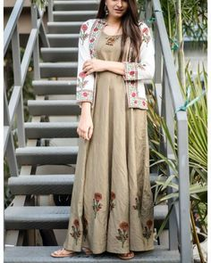 Khakhi Green Maxi With Block Printed Jacket Kurta Designs, Blouse Designs, Indian Dresses, Indian Outfits, Gown With Jacket, Jacket Style, Casual Outfits, Fashion Outfits, Fasion