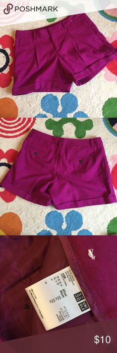 """Uniqlo pink shirts Super cute pink shorts! Pleated with one fold over on the bottom. 30"""" waist and 13"""" long! Great condition. Uniqlo Shorts"""