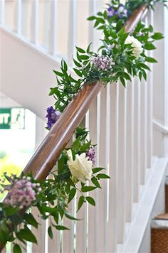 The welcome sign is an important element at the wedding, and its role is to guide guests to the wedding scene. In addition, some flower decorations on the welcome sign will also have the wonderful Read more… Wedding Staircase Decoration, Wedding Stairs, Garland Wedding, Wedding Ceremony Decorations, Wedding Church, Table Wedding, Party Wedding, Wedding Bride, Christmas Stairs Decorations