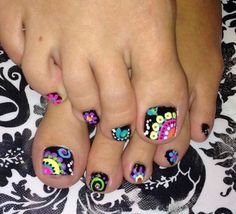 90 Brilliant Folwer Nail Art Ideas For Your Pretty Nails