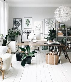 Top 70 of the best modern design ideas for the home office - contemporary work areasI love this look for office interior design and decor inspo. Modern Home Office Furniture, Minimalist Furniture, Home Office Desks, Modern Office Decor, Estilo Interior, Interior Styling, Luxury Modern Homes, Workspace Inspiration, My New Room