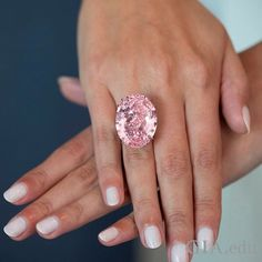 At 59.60 carats, 'The Pink Star' is the largest Internally Flawless type IIa Fancy Vivid pink #diamond ever graded by GIA. This incredible diamond is set to return to auction at Sotheby's Magnificent Jewels and Jadeite auction in Hong Kong on April 4 where it's estimated to sell for US$60 million. Courtesy: @sothebys