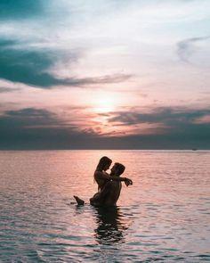Couple Beach Pictures, Cute Couples Photos, Cute Couples Goals, Romantic Couples, Beach Poses For Couples, Couple On The Beach, Honeymoon Pictures, Romantic Photos, Romantic Things