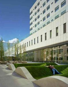 Over the River and Through the Woods: ZGF's Randall Children's Hospital Hospital Architecture, Healthcare Architecture, Healthcare Design, Landscape Elements, Landscape Architecture, Landscape Design, Architecture Design, Hospital Design, Urban Park