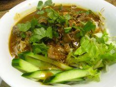 Hủ Tiếu Saté Bò Noodle saté (satay)with beef  from the Review of Mui Ngo Gai Vietnamese restaurant, Vancouver Sun paper