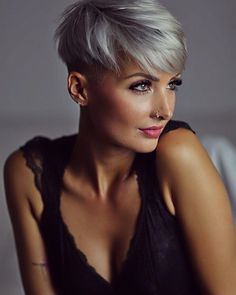 mentions J'aime, 131 commentaires – Jenny Schmidt ( sur In… - Modern Sassy Haircuts, Short Pixie Haircuts, Funky Hairstyles, Pretty Hairstyles, Short Grey Hair, Short Blonde, Short Hair Cuts For Women, Short Silver Hair, Jenny Schmidt
