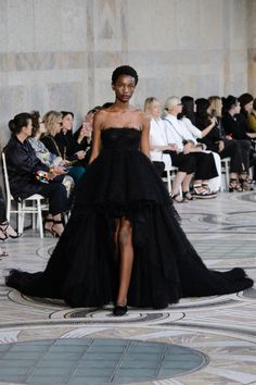 Les robes couture de Giambattista Valli, une ode fleurie aux...