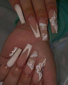 Bling Acrylic Nails, White Acrylic Nails, Best Acrylic Nails, Glow Nails, Aycrlic Nails, Swag Nails, Long Square Acrylic Nails, Nagellack Design, Cute Acrylic Nail Designs