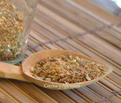 Tabil, la mezcla de especias del norte de África. Se llama Tabil a una mezcla de especias muy celebrada en Argelia y Túnez, se utiliza para aderezar muchísimos platos y es esta mezcla la que aporta el característico olor de la cocina de estos países... http://wp.me/p1smUs-c81