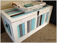 NorthShore Days.....: Striped Beachy Blanket Box