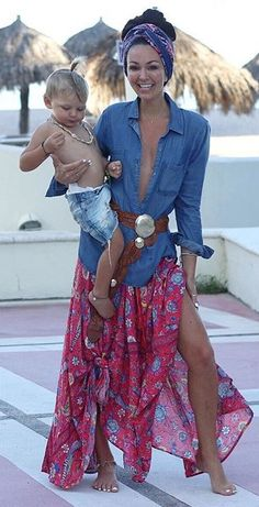 Love the denim shirt, belts and gypsy skirt, pinning for beach inspiration when I go abroad this year. Hippie Style, Bohemian Style Clothing, Gypsy Style, Boho Outfits, Summer Outfits, Fashion Outfits, Womens Fashion, Summer Dresses, Look Boho Chic