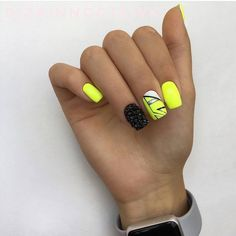 Want some ideas for wedding nail polish designs? This article is a collection of our favorite nail polish designs for your special day. Glam Nails, Neon Nails, Shellac Nails, Yellow Nails, Beauty Nails, Cute Nails, Nail Polish Designs, Nail Art Designs, Wedding Nail Polish