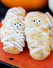 Nutella and Banana Halloween Mummy Rolls. This would probably work with Biscoff, as well.