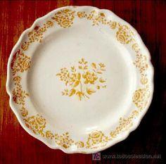 Plato en cerámica de Alcora 1727-1749