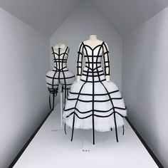 "21.5 mil curtidas, 178 comentários - The Met (@metmuseum) no Instagram: """"Rei Kawakubo/Comme des Garçons: Art of the In-Between"" features more than 140 examples of…"""