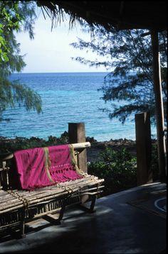 Room seaview at Chumbe Island by Monolo Yllera