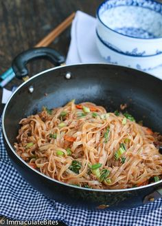 Chinese noodles w/ground pork