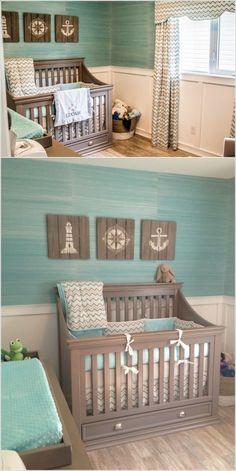 Oříznuté a namořené dřevěné palety, troška bílé barvy nanesená podle šablon a máte tři úžasně stylové dekorační obrazy