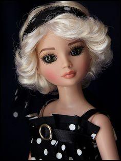 Ellowyne Wilde doll