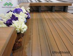 Deski tarasowe Premium WPC posiadają elegancką fakturę drewna / WPC decking profiles have elegant wood-like textures