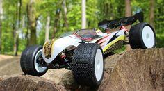 Rc Autos, Rc Cars, Racing, Vehicles, Model Building, Face, Running, Auto Racing, Car