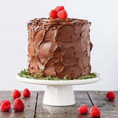 Chocolate Raspberry Layer Cake This Chocolate Raspberry Cake has six glorious layers of vanilla cake with raspberry sauce and a rich dark chocolate frosting. Christmas and New Year Cake and Cuisine Recipes Chocolate Raspberry Cake, Best Chocolate Cake, Chocolate Cheesecake, Homemade Chocolate, Chocolate Flavors, Chocolate Recipes, Chocolate Frosting, Mint Chocolate, Classic Chocolate Cake Recipe