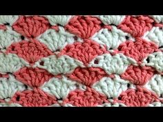 ▶ Shell Crochet Stitch Change Color Every Row Pattern by Maggie Weldon - YouTube ✿Teresa Restegui http://www.pinterest.com/teretegui/✿