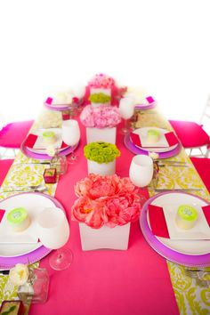 Gorgeous and vibrant table decor designed by Twenty Three Layers ( TTL Events). twentythreelayers.com