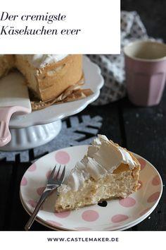 Dieser Käsekuchen ist perfekt für alle die einen cremigen Käsekuchen lieben. Der Mürbeteigboden und die Baiserhaube machen diesen Käsekuchen perfekt, allerdings kann man die Baiserhaube auch weglassen. Die Oberfläche des Käsekuchens wird garantiert nicht rissig und das ganze Rezept gibt es auf Castlemaker.de