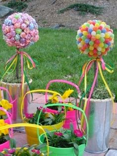 Great idea!! The candy bunches but instead of lollys and gundrops, maybe those pretty chocolates you et from chocolate hearts? Good for a wedding!