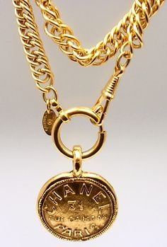 "CHANEL VINTAGE FRENCH COUTURE CHUNKY ""RUE CAMBON"" GOLD TONE NECKLACE"