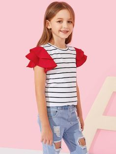 SHEIN offers Girls Ruffle Cap Sleeve Striped Tee & more to fit your fashionable needs. Cute Girl Outfits, Cute Outfits For Kids, Trendy Outfits, Fashion Outfits, Trendy Clothing, Outfits Teenager Mädchen, Jugend Mode Outfits, Kids Frocks, Blouse Dress