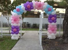 Doc McStuffins bday party on Pinterest | Doc Mcstuffins, Doc Mcs ... Sofia The First Birthday Party, First Birthday Party Decorations, Birthday Centerpieces, Kids Party Themes, Little Girl Birthday, Sofia Party, Balloon Columns, Balloon Arch, Doc Mcstuffins Birthday Party