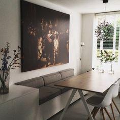 Interieur • eetkamertafel • eettafel bank • eetkamerbank • muurdecoratie