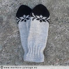 Needs with decorative pattern – Grandma's Christmas cottage Knit Mittens, Knitted Gloves, Fingerless Gloves, Fair Isle Knitting Patterns, How To Purl Knit, Knit Or Crochet, Knitting Needles, Knitting Projects, Handicraft